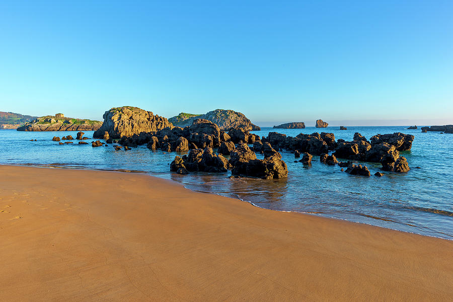 The beach of the ris in Noja, Cantabria by Vicen Photography