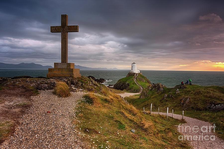 Twr Mawr Lighthouse by Mariusz Talarek