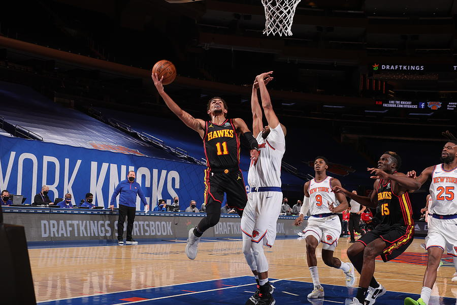 Atlanta Hawks v New York Knicks Photograph by Nathaniel S. Butler