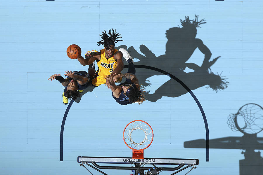 Miami Heat v Memphis Grizzlies Photograph by Joe Murphy