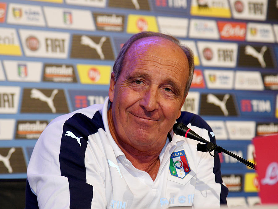 Italy Training Session And Press Conference Photograph by Claudio Villa