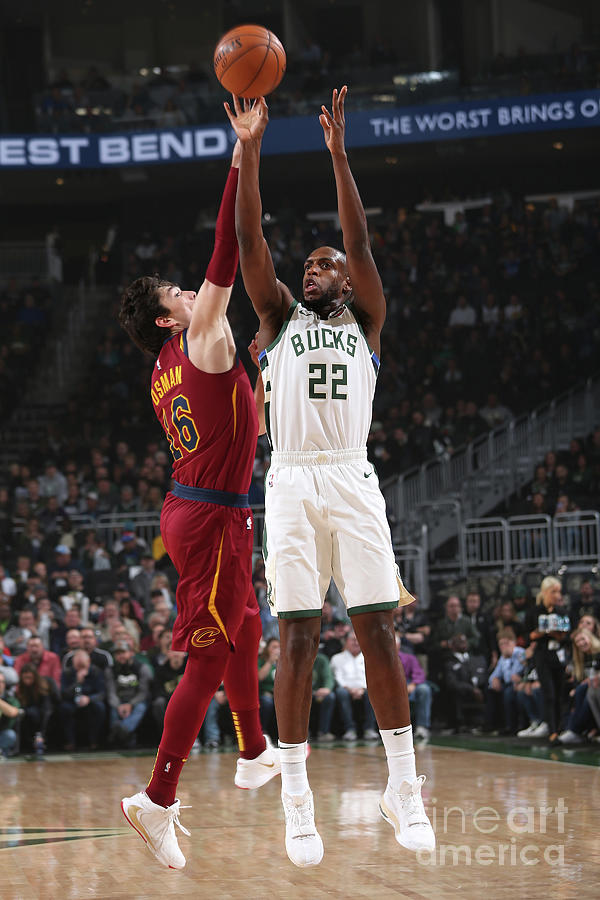 Khris Middleton Photograph by Gary Dineen