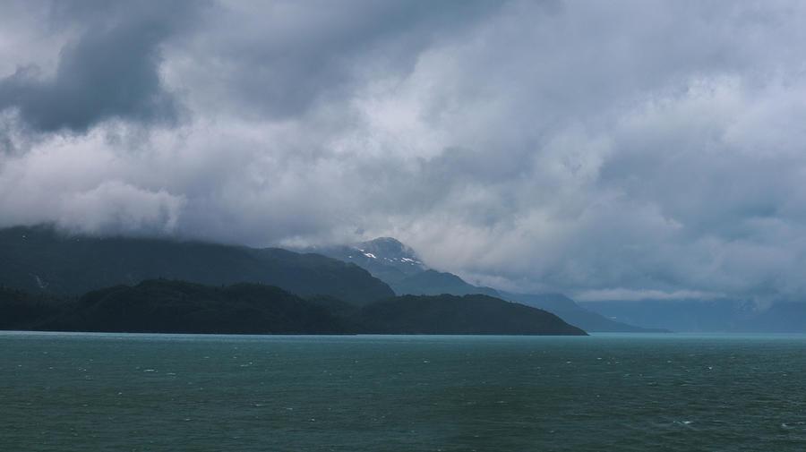 A Glacier Bay Glide Photograph