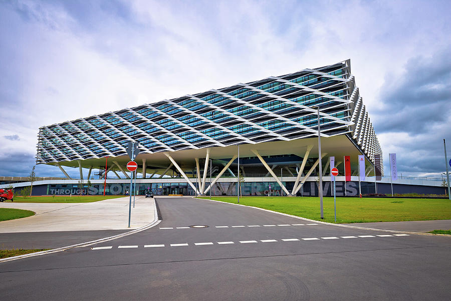 Adidas headquarter futuristic World of Sports buildings view by Brch Photography