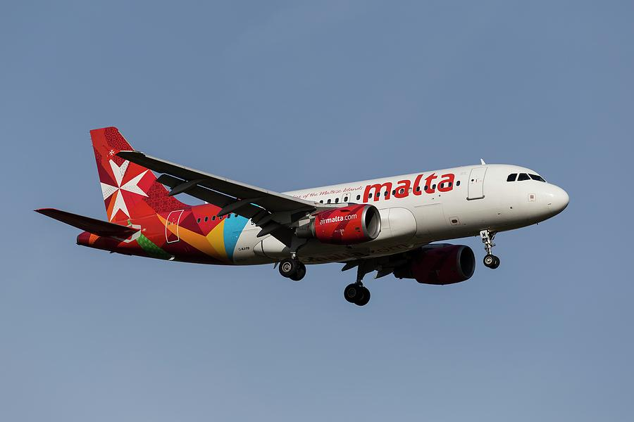 Air Malta Airbus A319 Photograph