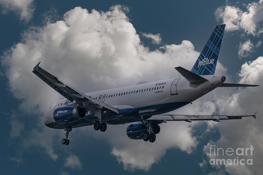 Airbus A320 Photograph