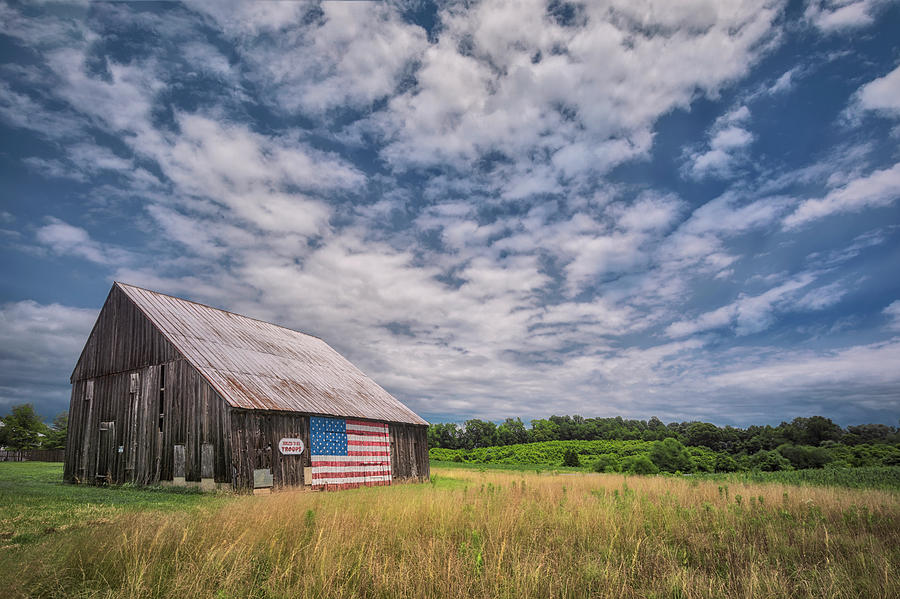 Americas Barn by Robert Fawcett
