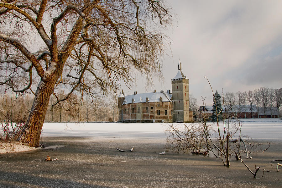 Another view on Horst Castle by Lieve Snellings