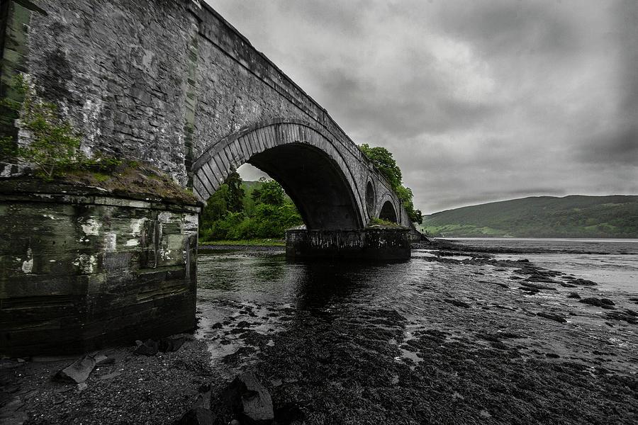 Inveraray Photograph - Aray Bridge Inveraray by Dan Vidal