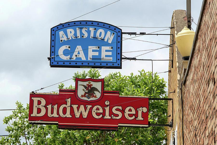 Aristons Photograph