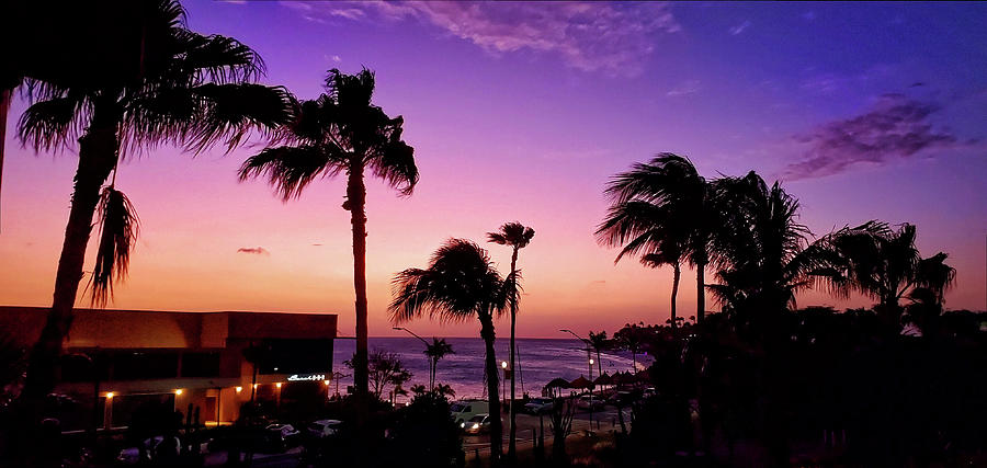 Aruban Sunset by Lars Lentz