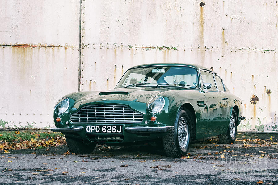 Aston Martin DB6 MK2 by Tim Gainey