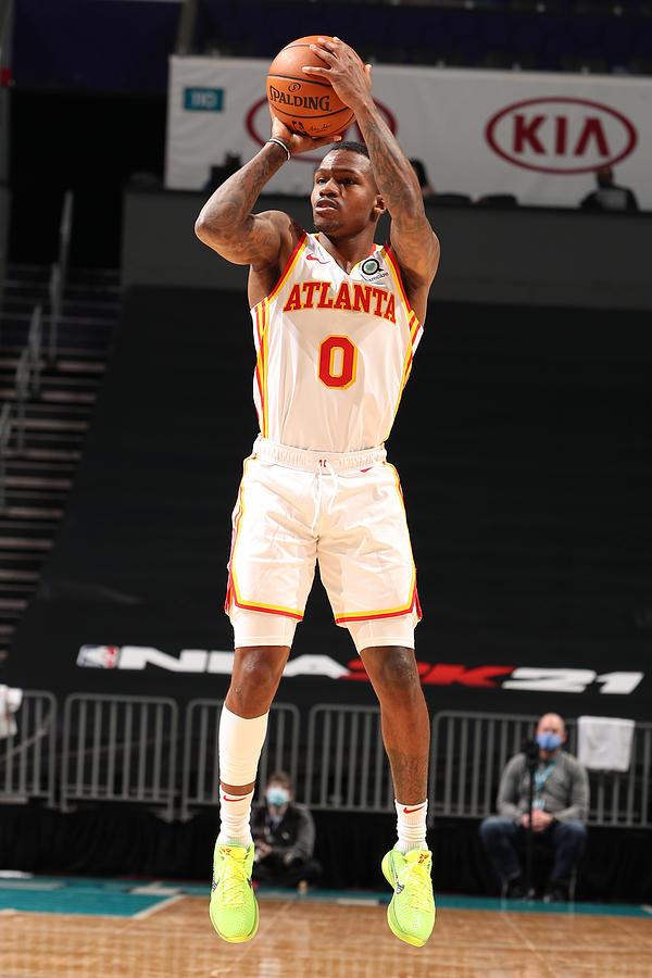 Atlanta Hawks v Charlotte Hornets Photograph by Kent Smith