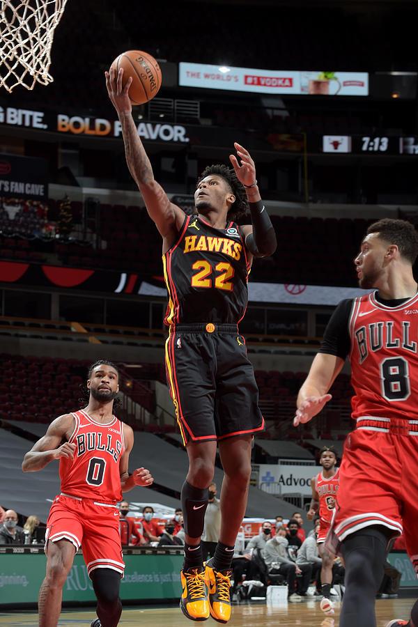 Atlanta Hawks v Chicago Bulls Photograph by Randy Belice