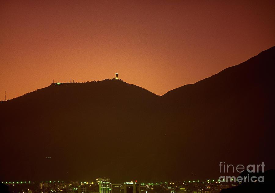 Avila-Caracas by Juan Silva