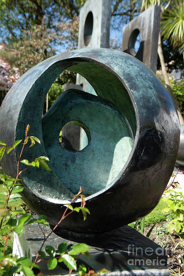 Barbara Hepworths Sculptors Photograph