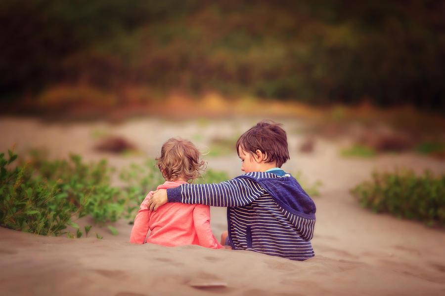 Beach hugs Photograph by Sarahwolfephotography