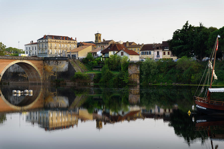 Bergerac and Dordogne river by RicardMN Photography