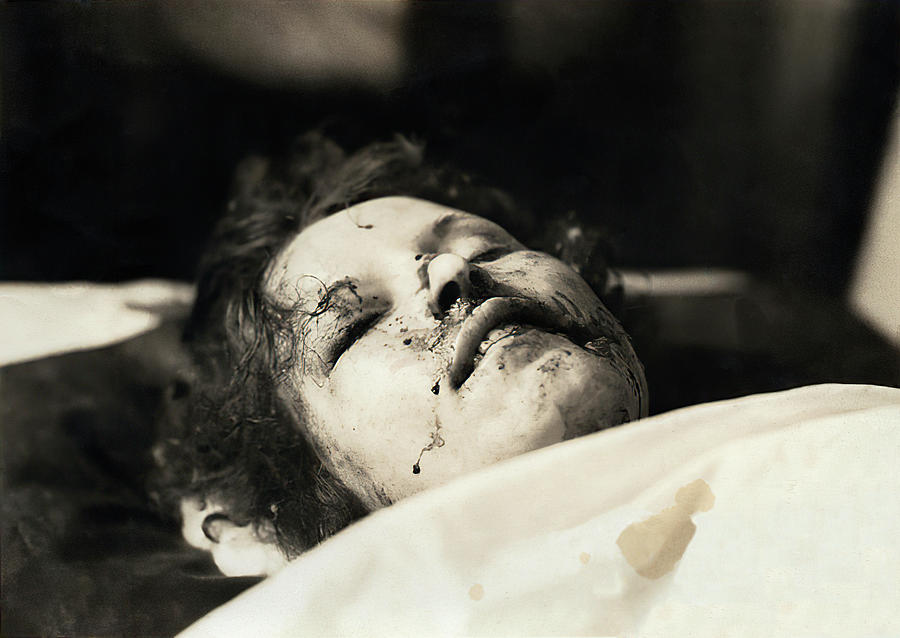 BONNIE PARKER on MORGUE SLAB MAY 1934 Photograph by Daniel ...