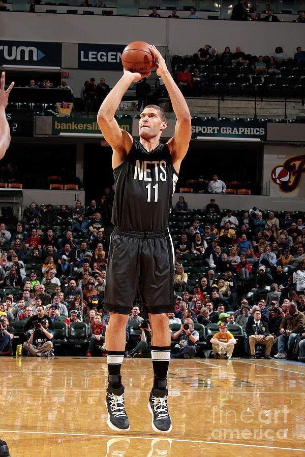 Brook Lopez Photograph by Ron Hoskins
