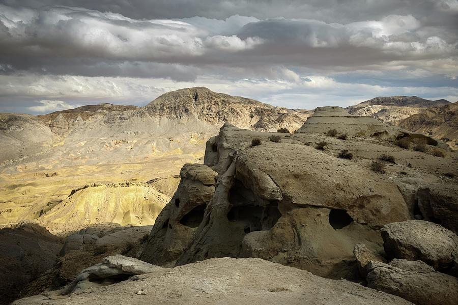 Landscape Photograph - Carrizo Mountain and Sandstone Domes by Alexander Kunz