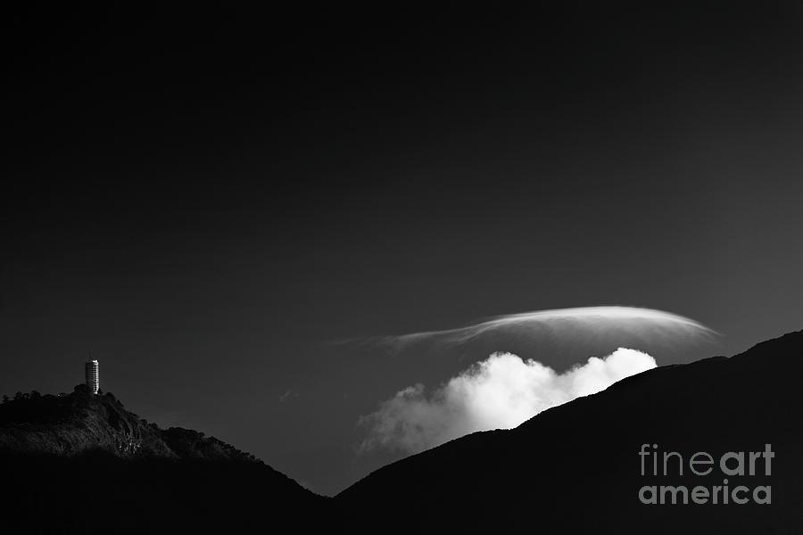 Cerro Avila - Blanco y Negro by Juan Silva