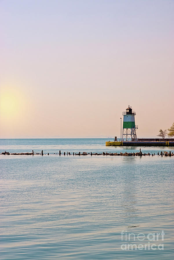 Chicago Harbor Southeast Lighthouse by Jennifer White