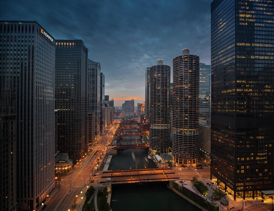 Chicago River Sunset Photograph