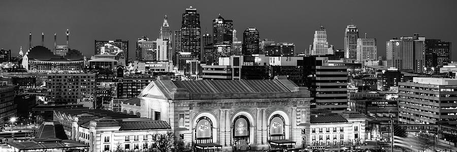 Chiefs Skyline Black And White Panorama - Kansas City Missouri Photograph