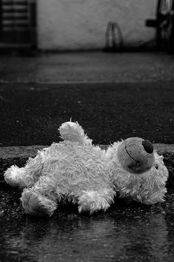 Childhood Photograph - Childhoods End - Castaway by Tobbe Hvornum