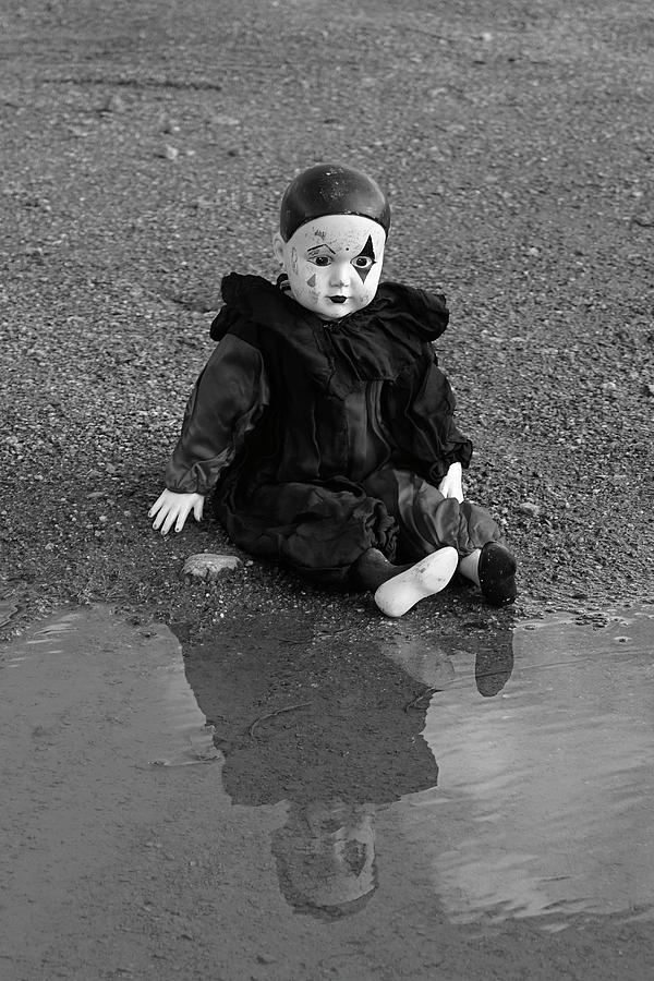 Childhood Photograph - Childhoods End - Reflecting by Tobbe Hvornum