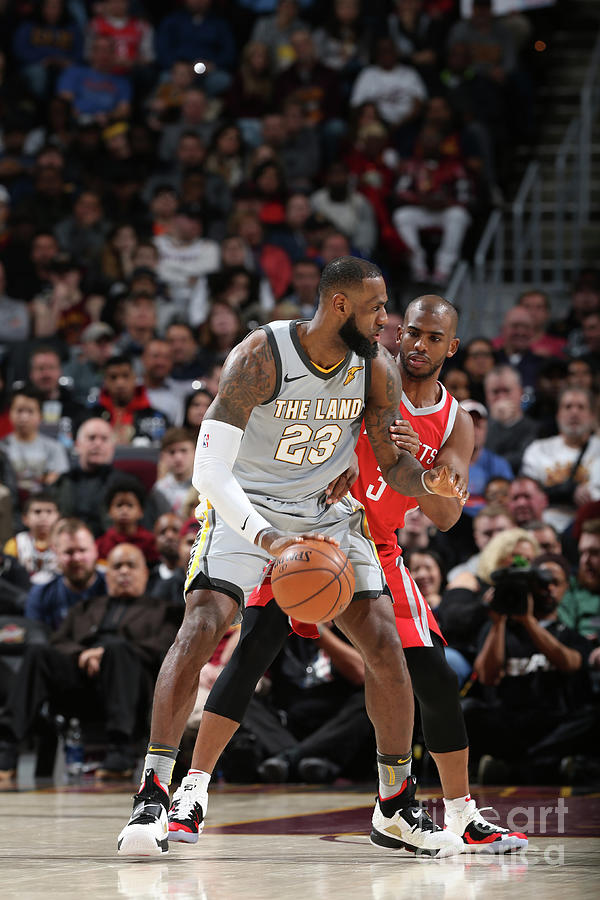 Chris Paul and Lebron James Photograph by Joe Murphy