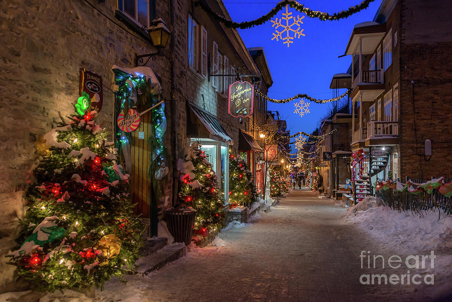 Christmas in Quebec City by Jola Martysz
