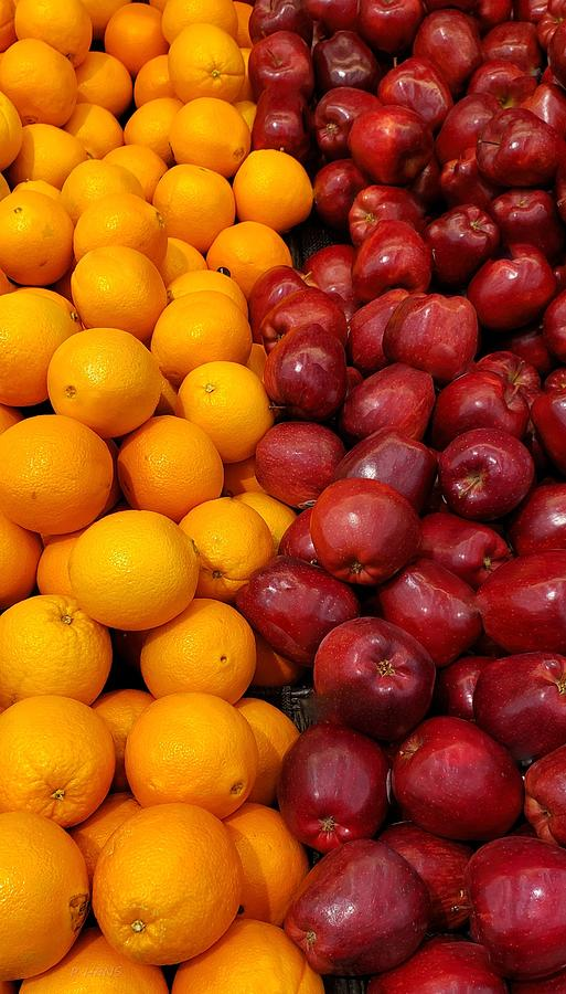 COMPARING APPLES AND ORANGES by Rob Hans