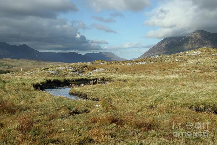 Connemara valleys by Peter Skelton