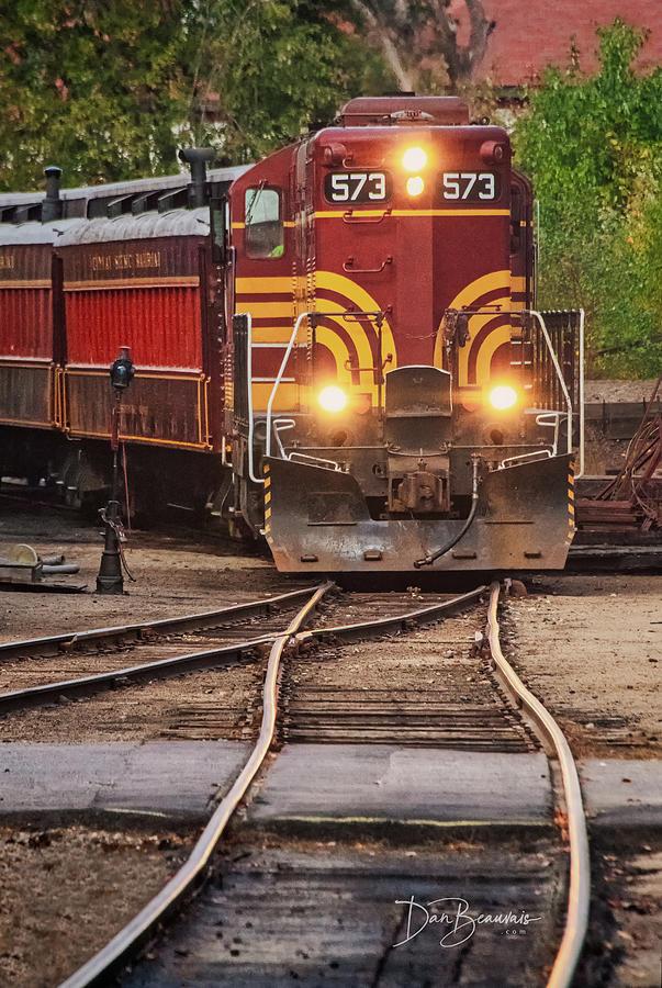 Conway Scenic Railroad Photograph - Conway Scenic Railroad 573 7757 by Dan Beauvais