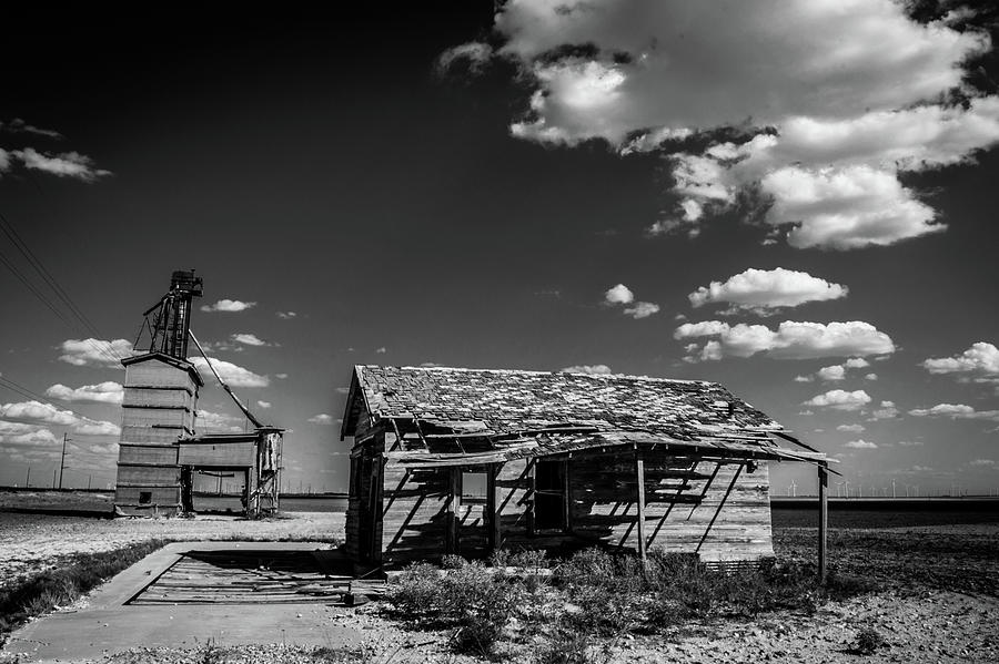 Cotton Gin Photograph - Cotton Gin by Peyton Vaughn