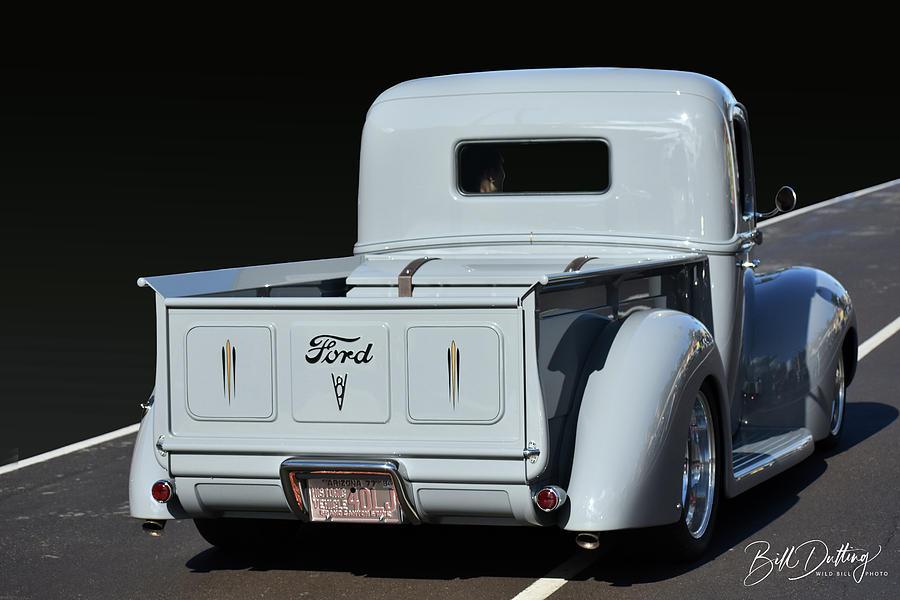 Cruisin V8 Pickup by Bill Dutting