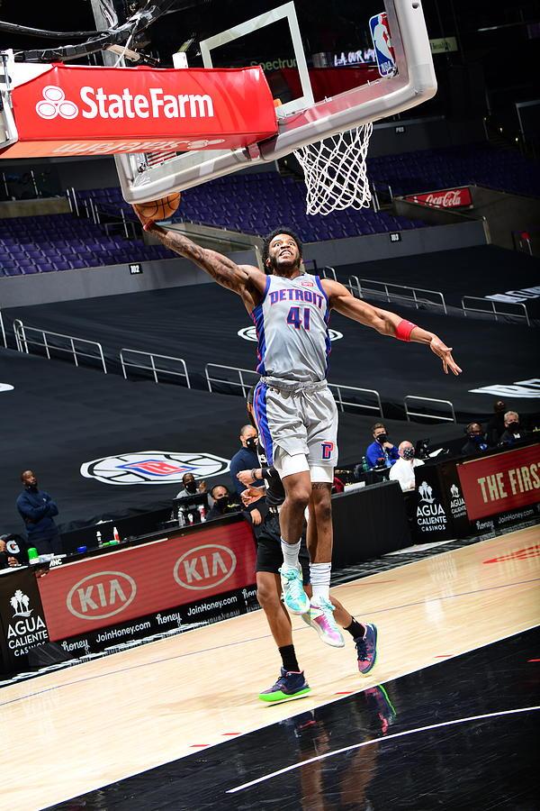 Detroit Pistons vs. Los Angeles Clippers Photograph by Adam Pantozzi