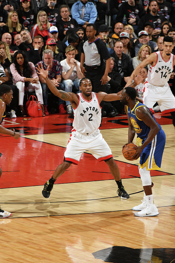 Draymond Green and Kawhi Leonard Photograph by Ron Turenne
