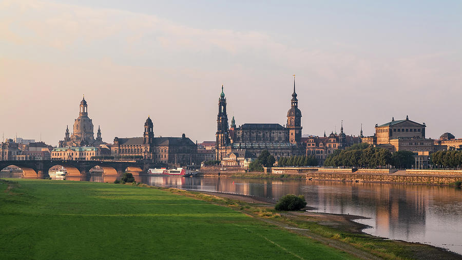 Architecture Photograph - Dresden 05 by Tom Uhlenberg