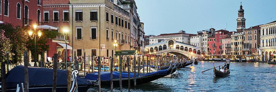 Dsc9896 - Rialto Bridge at twilight, Venice by Marco Missiaja