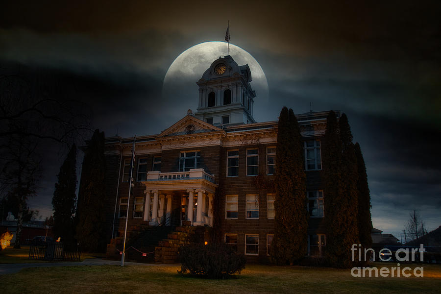 Eerie Courthouse by Stan Townsend