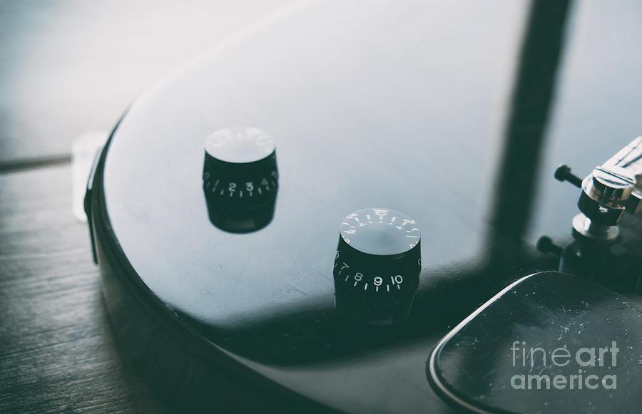 electric guitar potentiometer volume knob closeup by Luca Lorenzelli