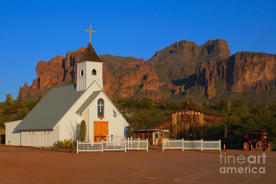 Elvis Chapel Photograph