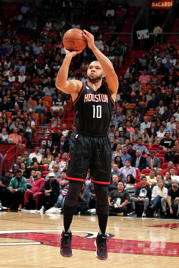 Eric Gordon Photograph by Oscar Baldizon