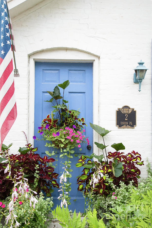 Everywhere a Garden by Marilyn Cornwell