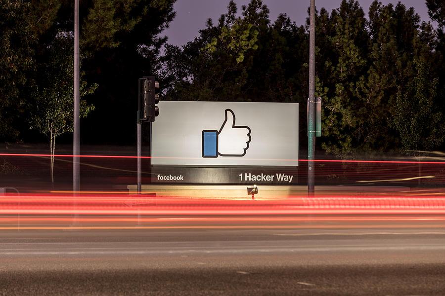 Facebook-1 Hacker Way Photograph by JasonDoiy