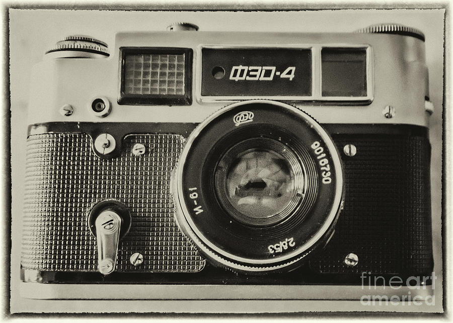 Camera Photograph - Fed4 Vintage Russion Camera by Richard Jemmett
