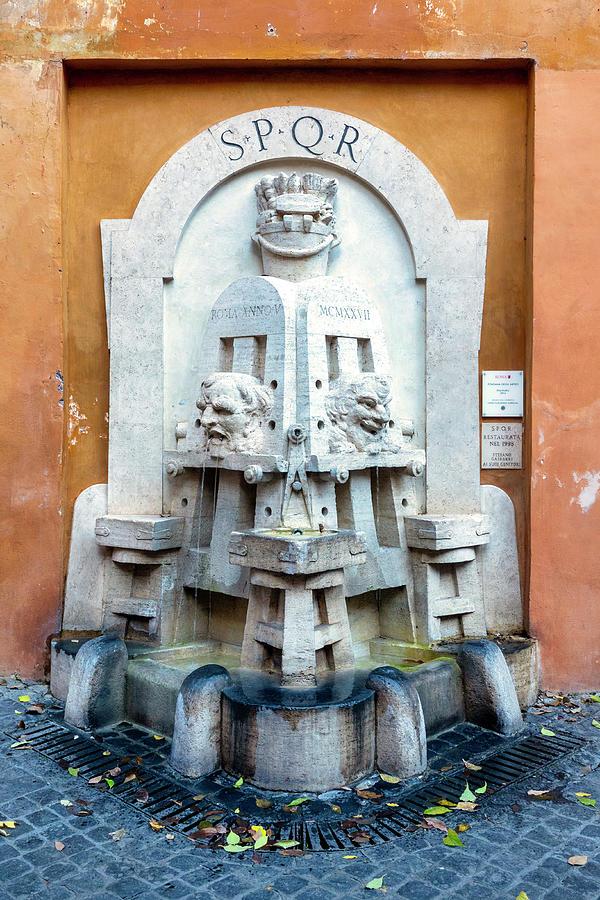 Fontana degli Artisti by Fabrizio Troiani